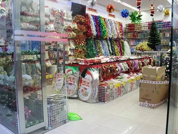 Lojas já entraram no clima natalino (Foto: Indiara Bessa/G1 AM)