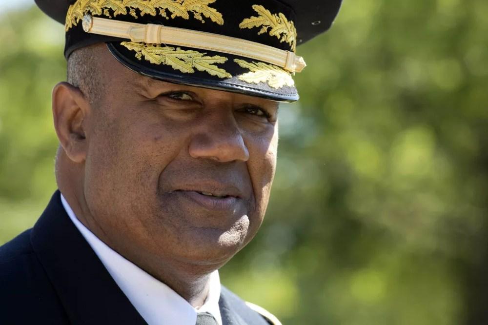 Em outro marco, o tenente-general Darryl A. Williams tornou-se o primeiro superintendente negro em West Point  — Foto: Mark Lennihan/AP