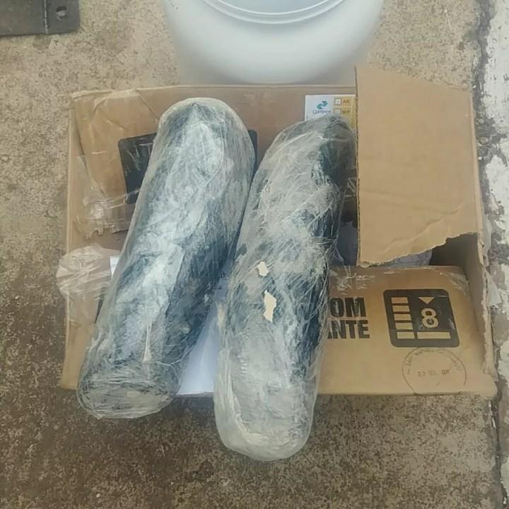 Caixa com 2 kg de haxixe foi retirada em agência dos Correios, em Brasília — Foto: PMDF / Divulgação