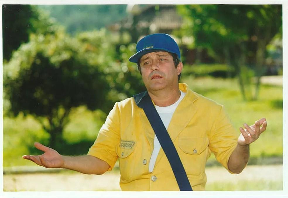 O ator João Carlos Barroso na novela 'Uga Uga', do ano 2000 — Foto: Acervo TV Globo