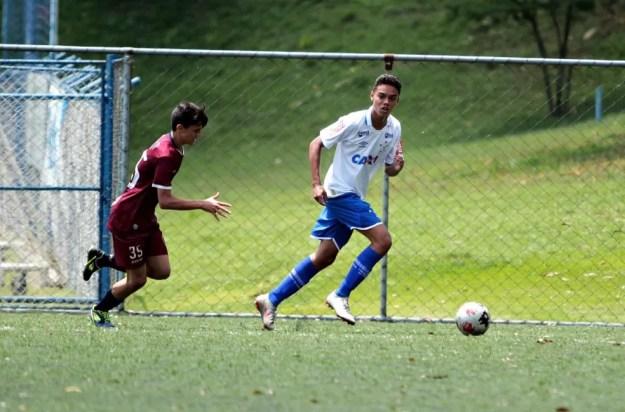 João Mendes, filho de Ronaldinho Gaúcho, treina na base do Cruzeiro — Foto: Janaína Natielle Mendes/Arquivo pessoal