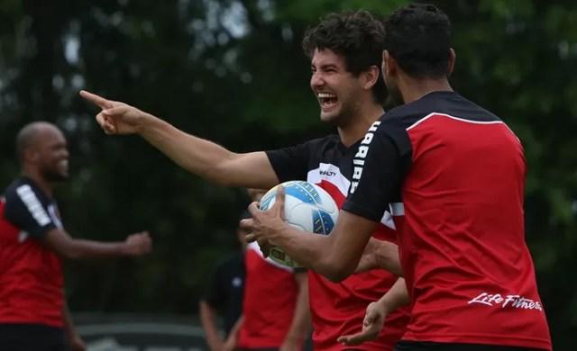Alexandre Pato São Paulo (Foto: Site oficial do SPFC)