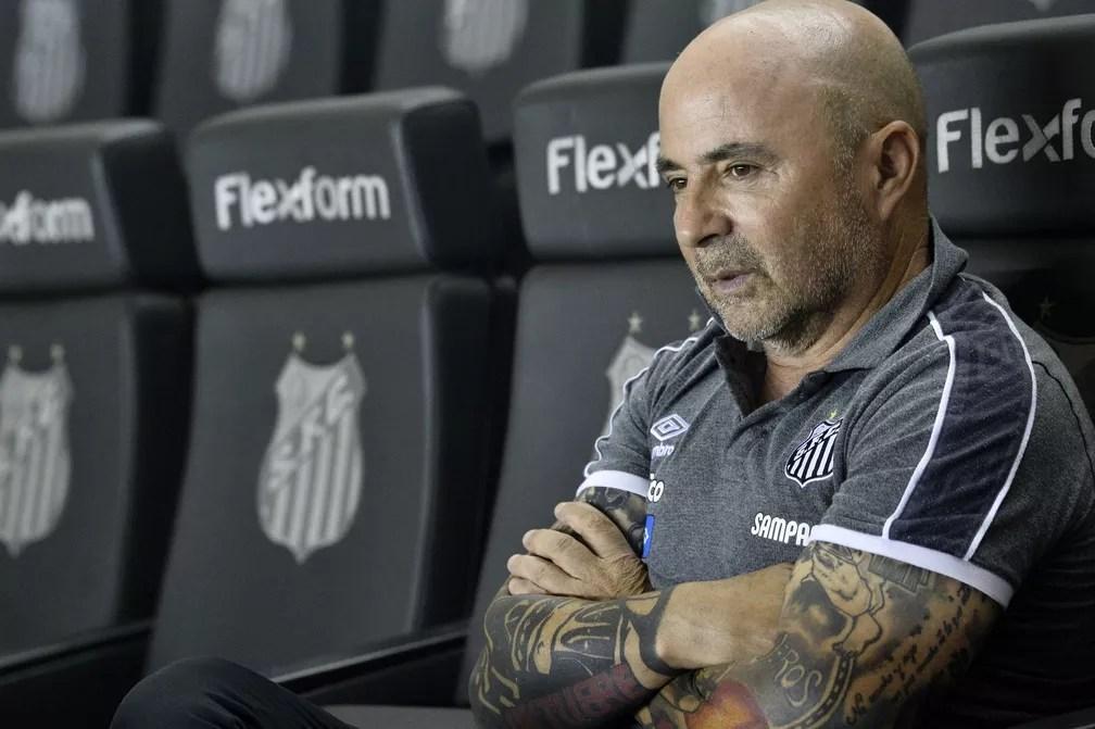 Jorge Sampaoli em Santos x Palmeiras — Foto: Marcos Ribolli
