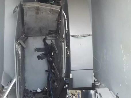 Equipamento foi danificado após grupo praticar o crime em Sanharó (Foto: Divulgação/Polícia Militar)
