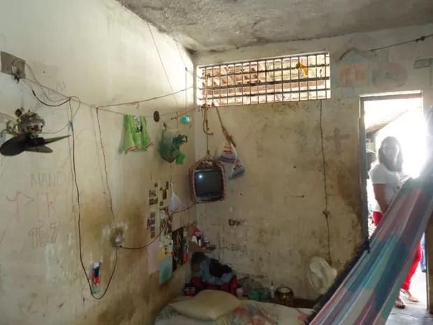 Celas da Delegacia Regional de Açailândia têm condições insalubres (Foto: Divulgação/ MPMA)
