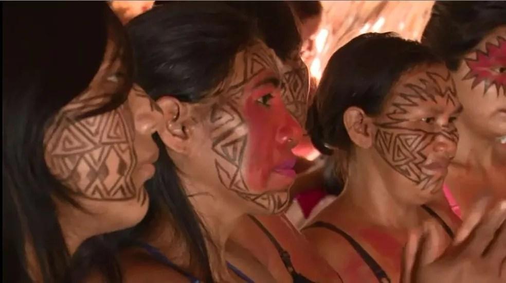 Índias da aldeia Katukina (Foto: Reprodução Rede Amazônica Cruzeiro do Sul)
