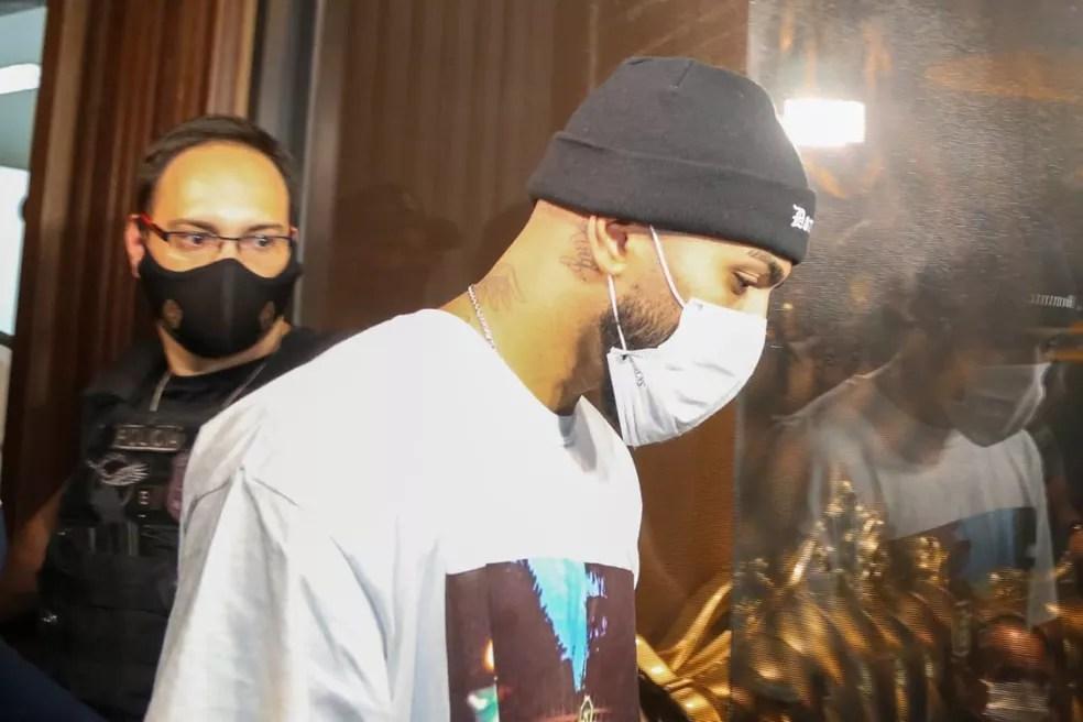 Gabigol, do Flamengo, é detido em aglomeração dentro de cassino clandestino em São Paulo — Foto: Divulgação/Polícia Civil