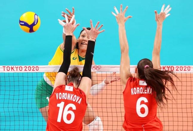 Tandara Brasil Rússia vôlei feminino Olimpíadas Tóquio — Foto: Toru Hanai/Getty Images