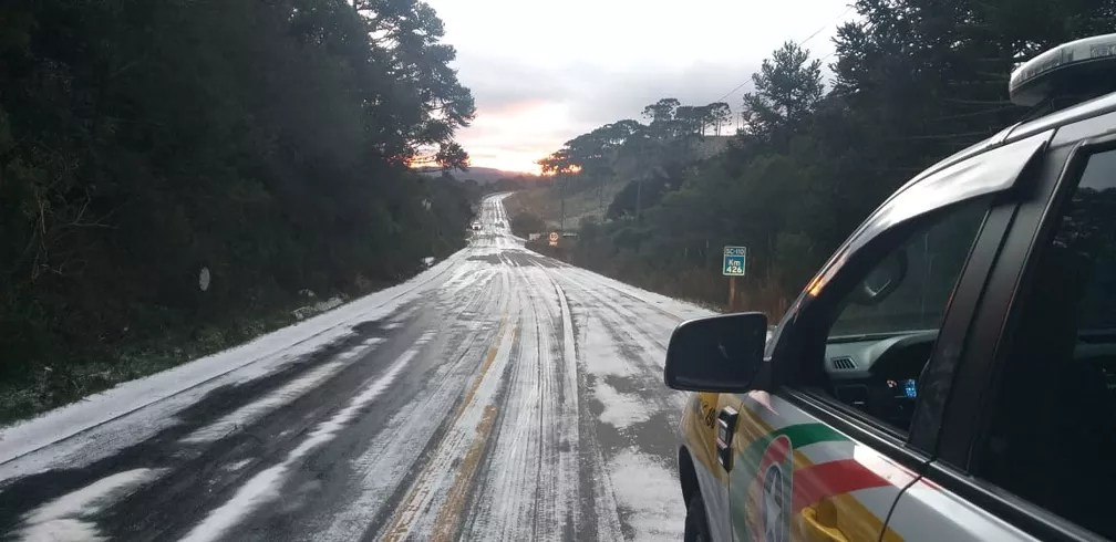 Rodovia na região Serrana de Santa Catarina — Foto: PRMv/Divulgação