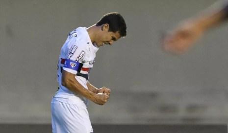 Hernanes São Paulo x Atlético-GO (Foto: Rubens Chiri / site oficial do SPFC)