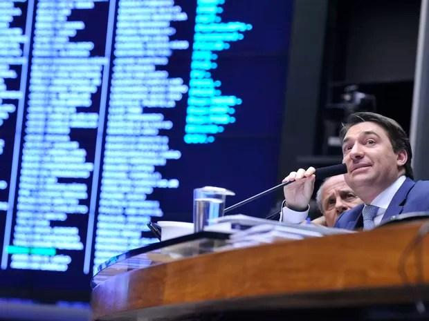 Sessão da Câmara presidida pelo 2º Vice-presidente da Casa, deputado Giacobo (PR-PR) (Foto: Luis Macedo/Câmara dos Deputados)