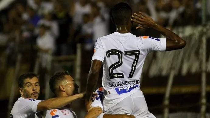 São Bernardo x Santos Bruno Henrique (Foto: Ricardo Moreira/Fotoarena/Estadão Conteúdo)