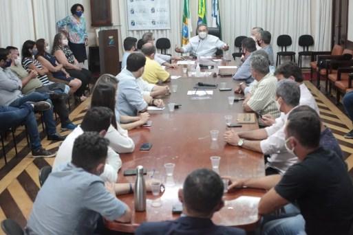 Prefeito de Natal, Alvaro Dias, em reunião com empresários em Natal — Foto: Alex Régis/Prefeitura de Natal