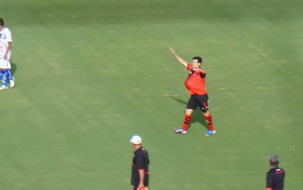 Pipico, atacante do Atlético-GO (Foto: Daniel Mundim)