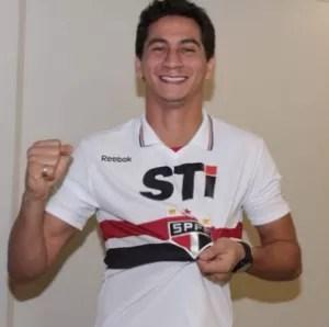 Ganso com a camisa do São Paulo (Foto: reprodução)