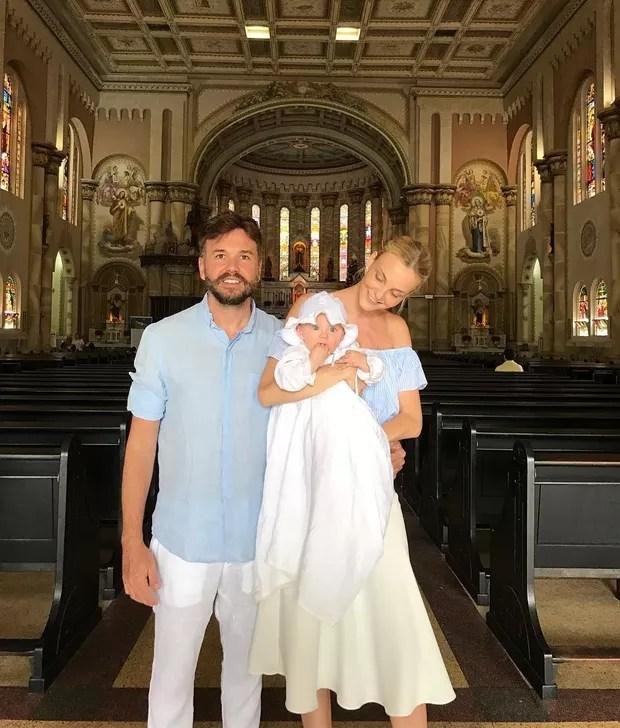 EGO - Carol Trentini compartilha foto do batizado filho caçula, Benoah -  notícias de Famosos
