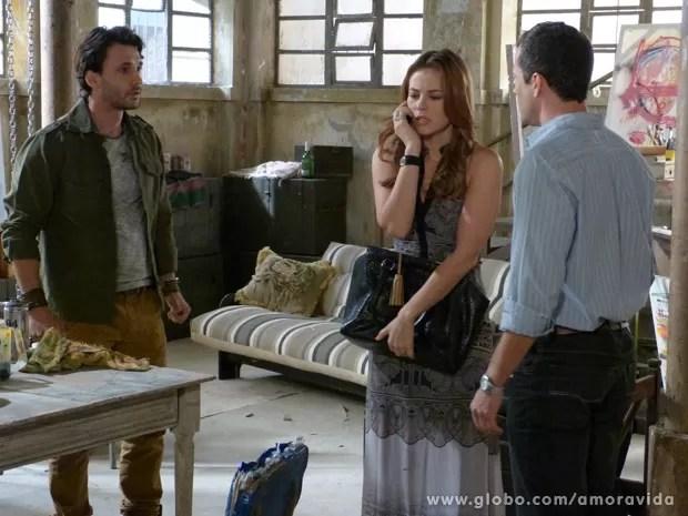Paloma e Bruno descobrem que Paulinha foi sequestrada (Foto: Amor à Vida / TV Globo)