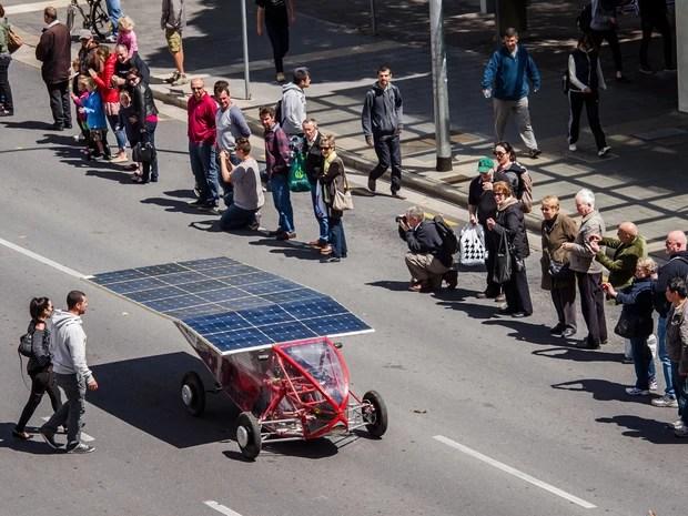 carro solar austrália (Foto: Geert Vanden Wijngaert/AP)