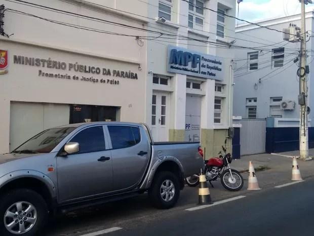 MPF e PF cumpriram mandados em Patos e outras cidades do Sertão da Paraíba (Foto: Rafaela Gomes/TV Paraíba)