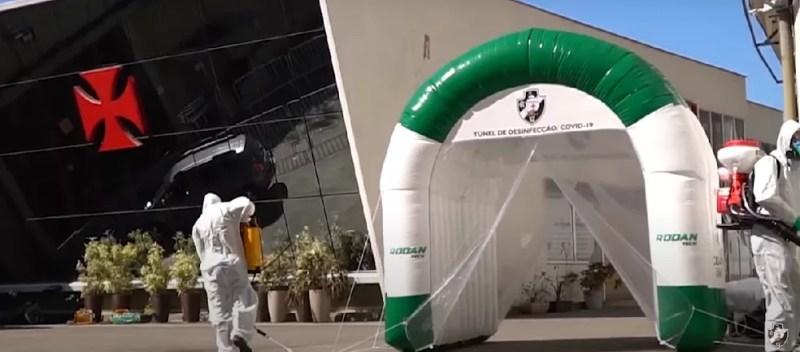Cabine de desinfecção faz parte do protocolo vascaíno — Foto: Reprodução