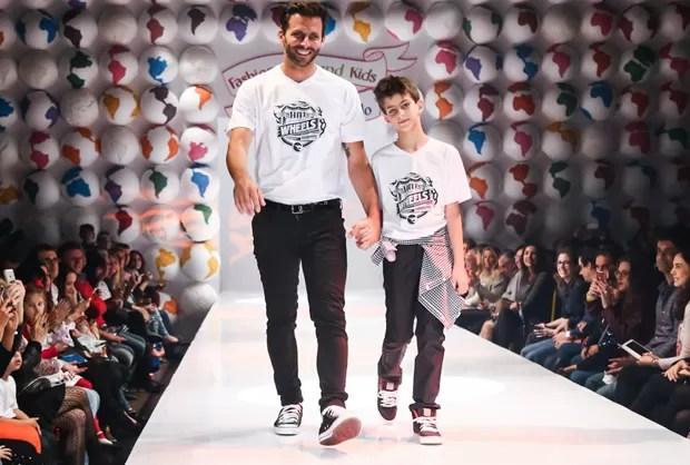 Henri Castelli e o filho, Lucas (Foto: Manuela Scarpa/Foto Rio News)
