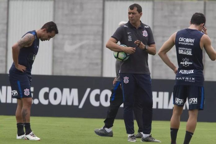 Jadson e Rodriguinho não vivem boas fases (Foto: Daniel Augusto Jr/Ag.Corinthians)