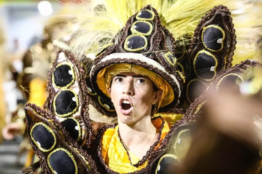 """Ala """"Feijão"""" no desfile da Dragões da Fiel (Foto: Fábio Tito/G1)"""