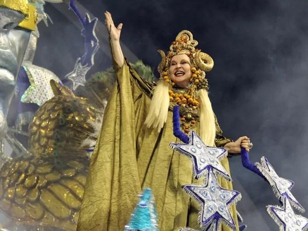 Elke Maravilha foi homenageada pela Estrela do Terceiro Milênio (Foto: Paulo Toledo Piza/G1)