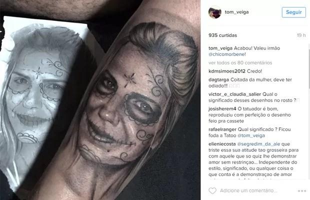 Tom Veiga, o LOuro José, tatuou rosto da mulher, Alessandra Veiga (Foto: Reprodução/Instagram)
