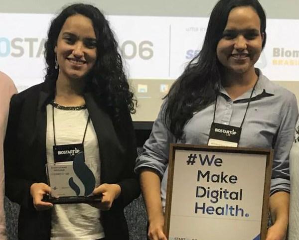 Irmãs, dupla de estudantes baianas cria dispositivo que detecta ao menos 15 doenças através do sopro — Foto: Arquivo pessoal