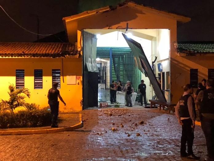 Presídio de Segurança Máxima foi atacado na madrugada desta segunda-feira (10), em João Pessoa — Foto: Walter Paparazzo/G1