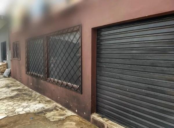 Incêndio danificou parede da frente do estabelecimento na Avenida Amazonas, em Porto Velho.  — Foto: Diêgo Holanda/G1