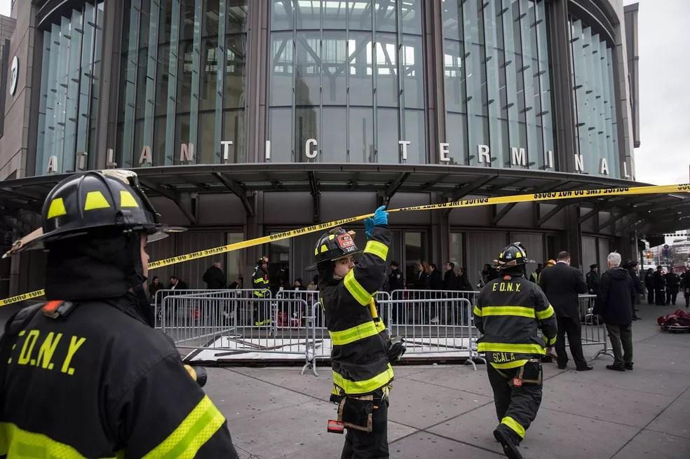 Incidente ocorreu no terminal Atlantic, no Brooklyn, da linha LIRR (Long Island Rail Road (Foto: Drew Angerer/GETTY IMAGES NORTH AMERICA/AFP)