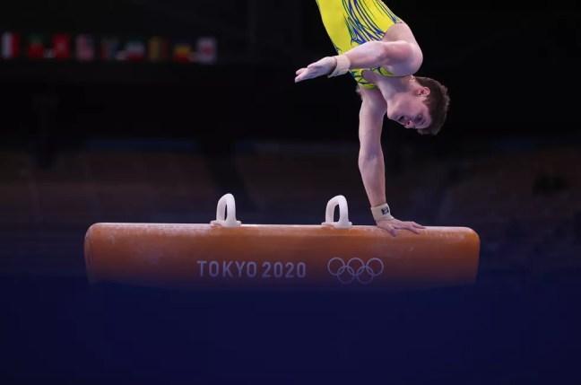 Diogo Soares pode ir à final do individual geral — Foto: Reuters