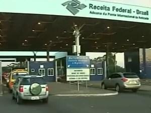 Posto da Receita na fronteira do Paraná com o Paraguai (Foto: Reprodução/RPC TV)