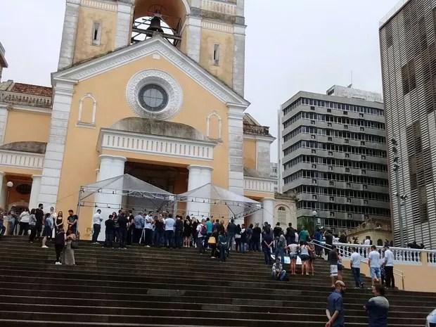 Missa é celebrada na Catedral de Florianópolis (Foto: Valéria Martins/G1)