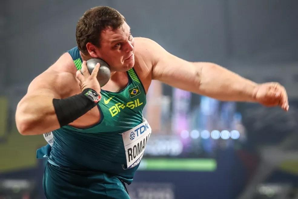 Darlan Romani durante a eliminatória do Mundial de Atletismo — Foto: Wagner do Carmo/CBAt
