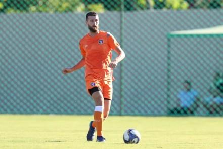 Aos 33 anos, Danny Morais é o jogador mais experiente do elenco do Santa Cruz — Foto: Marlon Costa/ Pernambuco Press