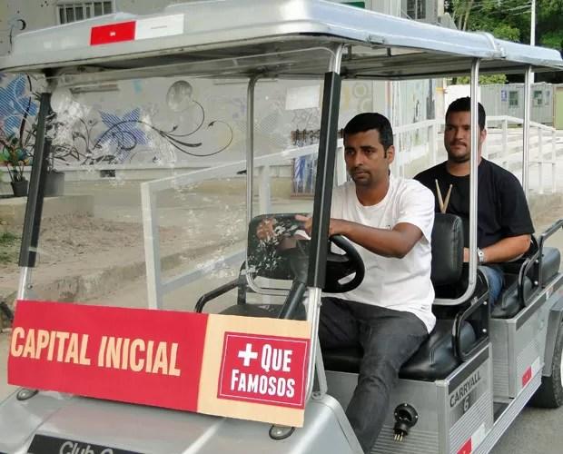 Leandro passeia de carrinho pelo Projac após carreira meteórica (Foto: Caldeirão do Huck / TV Globo)