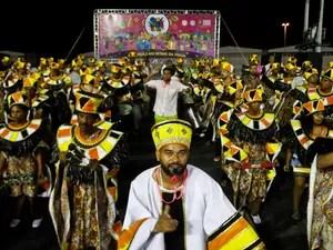 Escola de Samba Praiana homenageou Paulo Ferreira no carnaval de Porto Alegre (Foto: Joel Vargas, divulgação/PMPA)