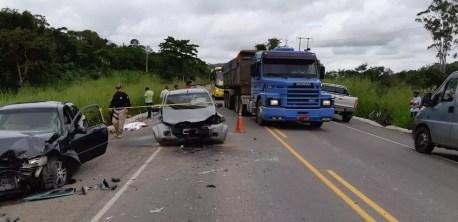 Acidente na BR-104 — Foto: Polícia Rodoviária Federal/Divulgação
