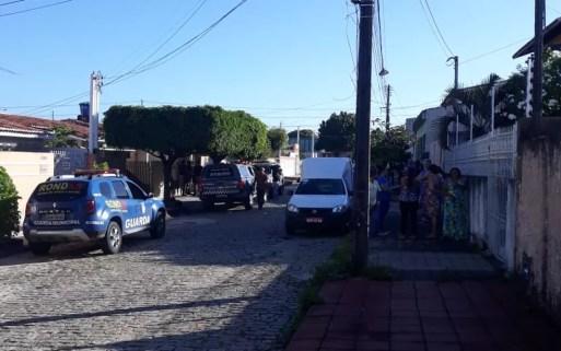 Quatro homens morreram em confronto com a PM durante arrastão na Zona Sul de Natal (Foto: Cláudia Angélica/Inter TV Cabugi)
