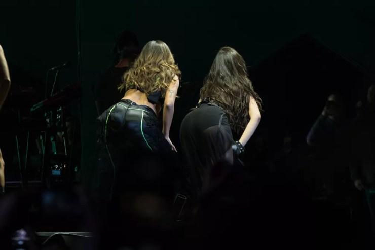Camila Cabello e Anitta durante show no Z Festival em São Paulo — Foto: Celso Tavares/G1