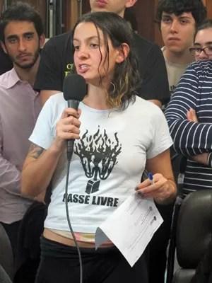 Mayara Vivian é uma dos porta-vozes do MPL, mas não posa para fotos (Foto: Ana Carolina Moreno/G1)