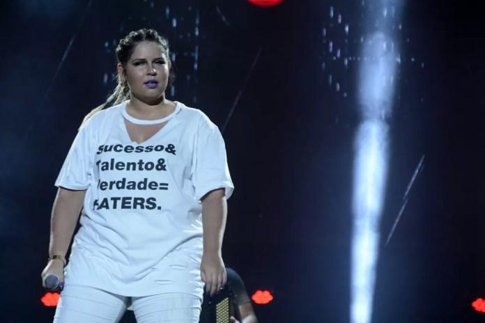 Marília Mendonça no palco do Festival de Verão Salvador. Ela trocou de roupa durante a apresentação (Foto: André Carvalho/Ag Haack)
