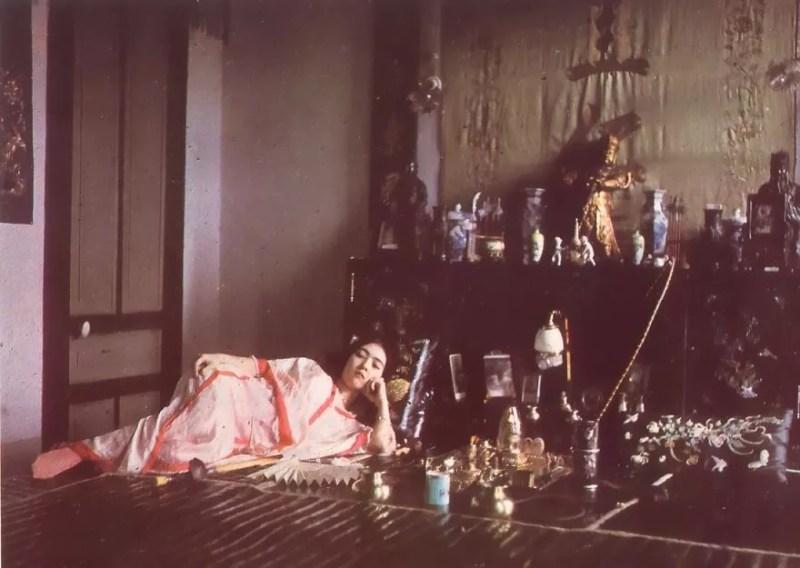 Mulher em casa de ópio. Foto de 1915 (FOTO: REPRODUÇÃO)