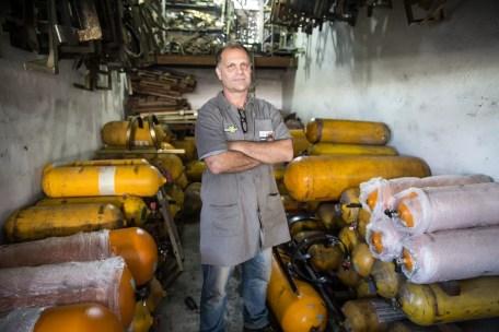 Wanderlei Tognozzi disse que procura por cilindros de GNV aumentou 500% durante a crise de abastecimento (Foto: Fábio Tito/G1)