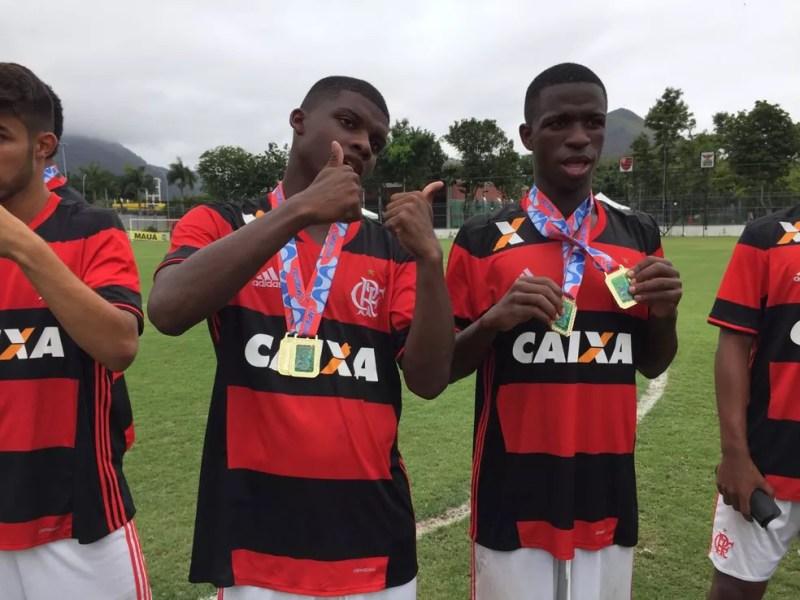 Lincoln e Vinícius Júnior ainda no Sub-17 — Foto: gustavo rotstein