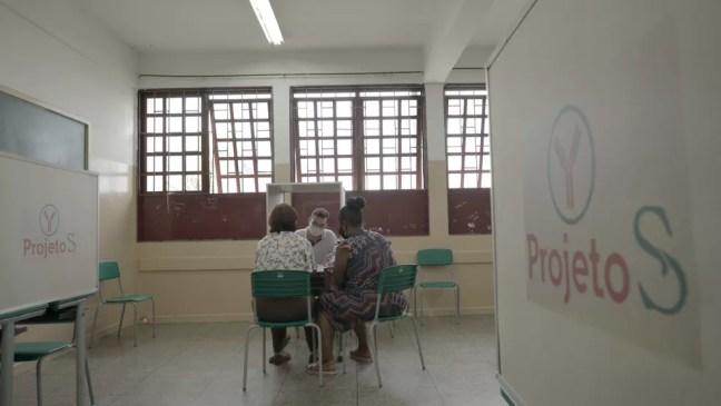 Voluntários passam por atendimento durante estudo de vacinação em massa contra Covid em Serrana — Foto: Divulgação/Instituto Butantan