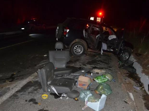 Bancos de carro foram arrancados com a força da batida (Foto: Weslei Santos / Blog do Sigi Vilares)